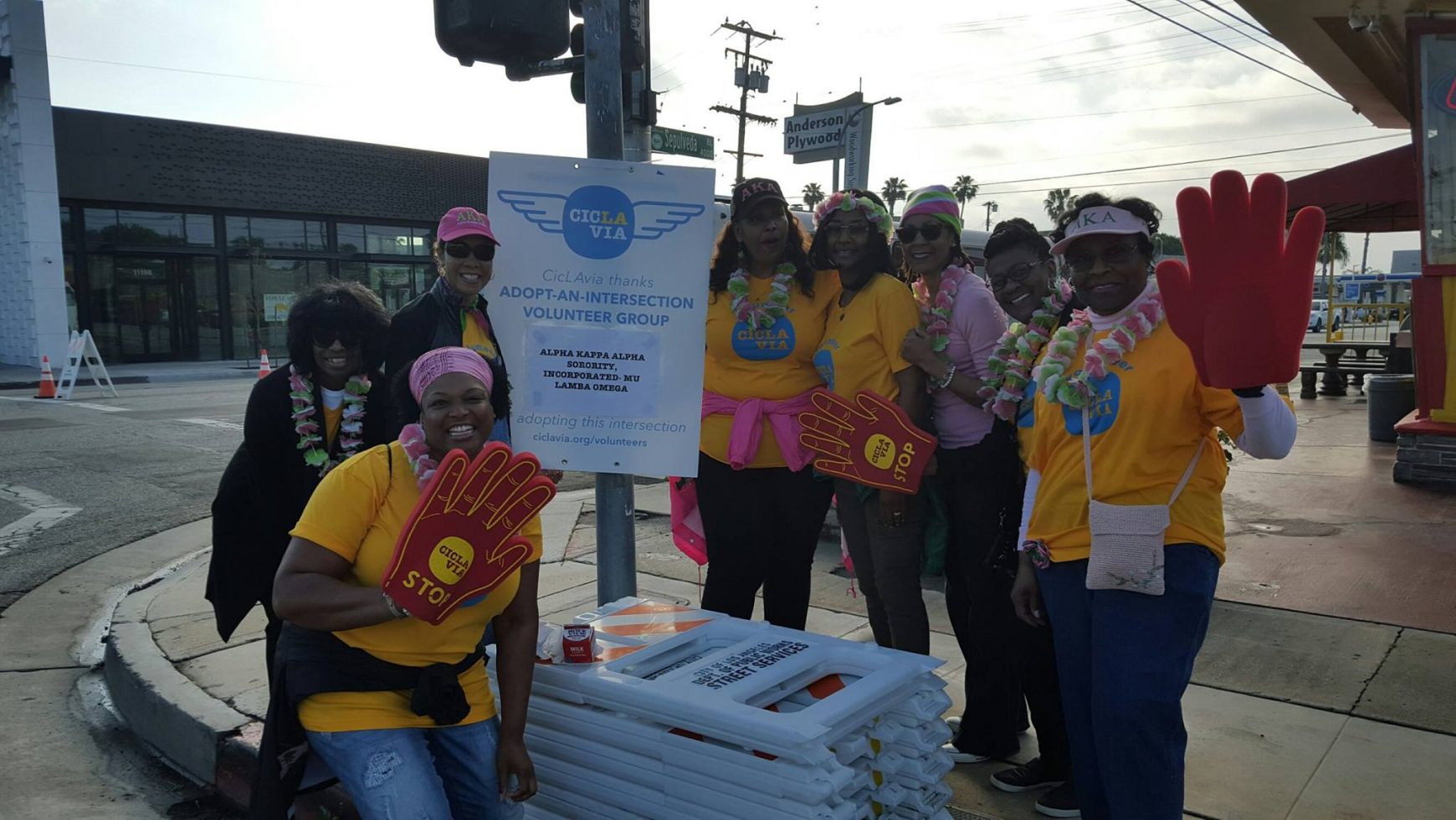 Mu Lambda Omega Chapter Volunteers at CicLAvia